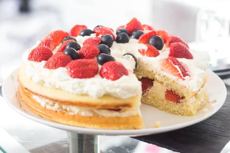 strawberry shortcake, keto strawberry shortcake, gluten free strawberry shortcake, low carb strawberry shortcake