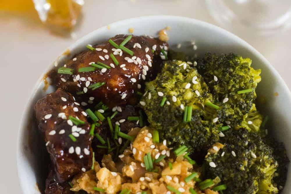 keto chinese food, keto chinese food recipes, keto sesame chicken, keto garlic broccoli, keto fried rice, keto fried cauliflower rice, low carb chinese food, low carb chinese food recipes, low carb sesame chicken