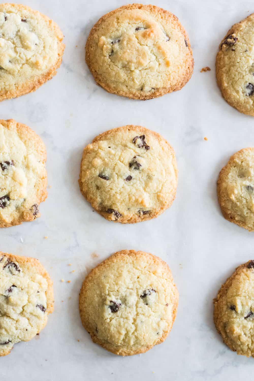 keto chocolate chip cookies recipe, keto chocolate chip cookies, low carb chocolate chip cookies, almond flour cookies, almond flour chocolate chip cookies, sugar free chocolate chip cookies, keto cookies, keto cookies recipe, low carb cookies, keto cookies with almond flour,