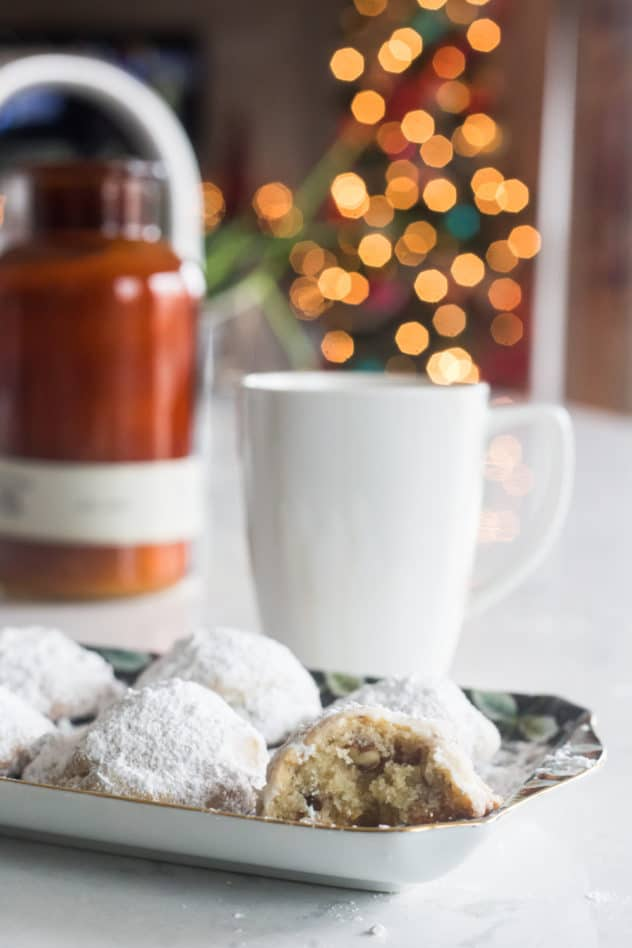 keto snowball cookies, low carb snowball cookies, keto snowball cookie recipe, low carb snowball cookie recipe, keto pecan cookies, low carb pecan cookies,
