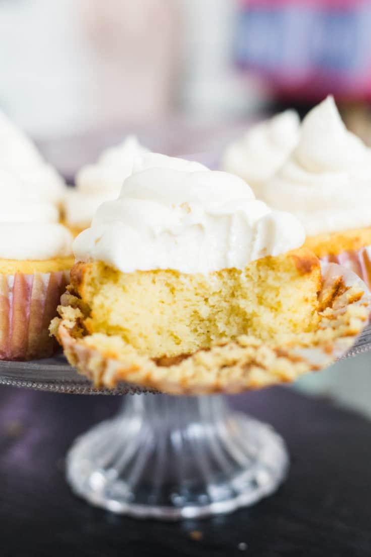 coconut flour cupcakes, keto cupcakes coconut flour, low carb cupcakes coconut flour