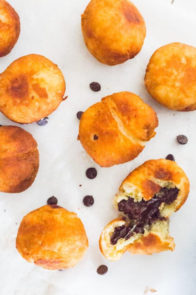 keto beignets, keto fathead beignets, low carb beignets, keto beignets recipe, gluten free beignets, beignets keto,