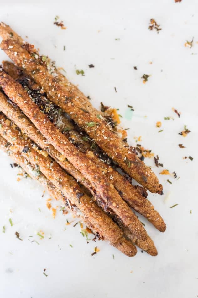 keto breadsticks, keto cheese breadsticks, keto breadstick recipe, keto breadsticks almond flour, low carb breadsticks, low carb breadstick recipe, gluten free breadsticks, how to make keto breadsticks