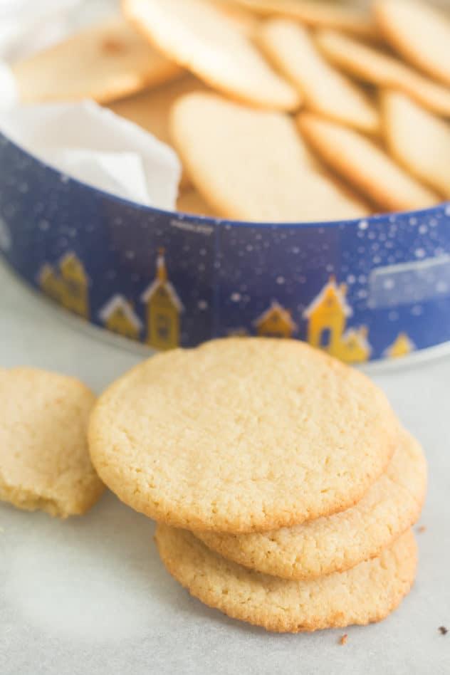 keto sugar cookies, keto sugar cookie recipe, almond flour sugar cookies, keto sugar free cookies, low carb sugar cookies, keto christmas cookies, low carb christmas cookies, gluten free sugar cookies, gluten free almond flour cookies, sugar free keto cookies, sugar cookies keto, how to make keto christmas cookies
