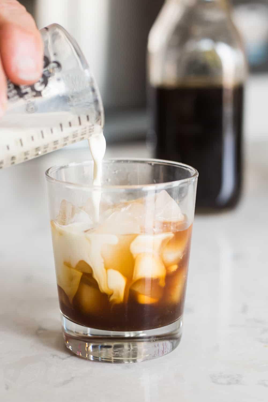 keto kahlua recipe, keto kahlua, low carb kahlua, low carb kahlua recipe, keto coffee liqueur, low carb coffee liqueur, homemade kahlua, sugar free kahlua recipe, sugar free kahlua, sugar free coffee liqueur, how to make sugar free coffee liqueur, how to make keto kahlua, how to make homemade kahlua,